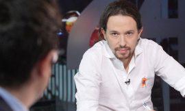 Pablo Iglesias al frente de la aprobación de la ley de eutanasia.