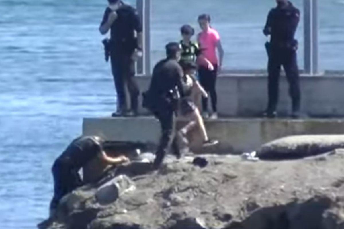 Trueque con vidas humanas   Cerca de 1.500 menores edad marroquíes que entraron a nado en Ceuta podrían ser deportados